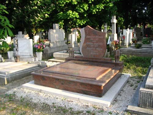 Dupla sírkő mérete